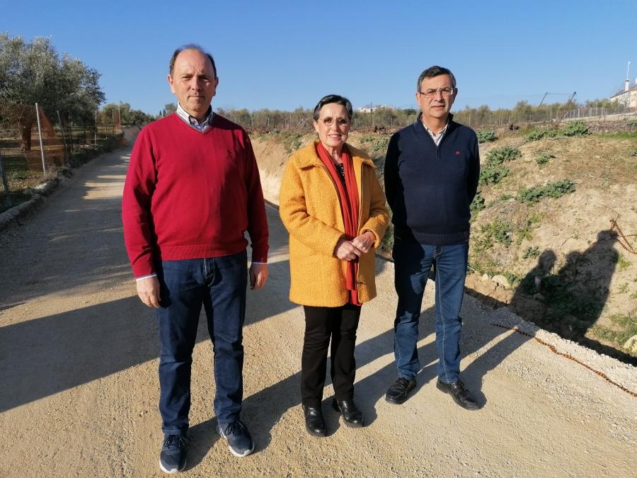 """El Ayuntamiento invierte 12.500 euros en el arreglo del camino del """"Puente de los Borrachos"""""""